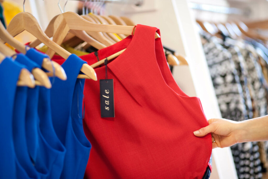 Discover the best time to buy fashion